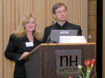 Prof. Dr. Thomas Heberer, Leiter der Abteilung Tierarzneimittel beim BVL, und seine Stellvertreterin Dr. Cornelia Ibrahim begrüßten rund 150 Symposiumsteilnehmer
