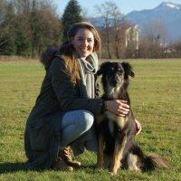 Spürhündin Nara mit Hundeführerin Elena Jeß. ; Bildquelle: Georg-August-Universität Göttingen