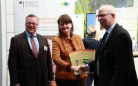 Dr. Hanns-Christoph Eiden, Dr. Maria Flachsbarth, Gerhard Schwetje; Bildquelle: BLE