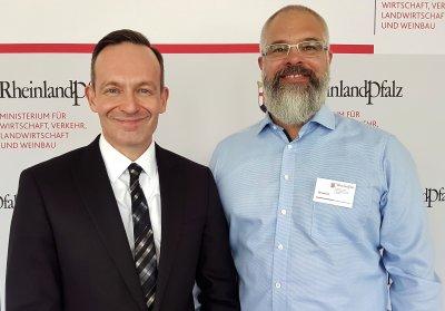Rheinland-pfälzischer Wirtschaftsminister Dr. Volker Wissing mit cloud4pets-Gründer Stefan Kimmel; Bildquelle: cloud4pets