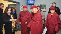 """Gianna Wabner, Präsidentin """"Live To Love"""" Germany, mit der Delegation aus Ladakh; Bildquelle: Henry Schein"""