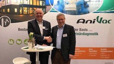 WDT-Vorstand Dr. Thomas Nonnewitz und AniCon-Geschäftsführer Dr. Klaus-Peter Behr ; Bildquelle: WDT