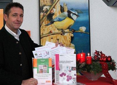 Ziehung der Gewinner des Laboklin Rätsels auf der PET-VET in Baden-Baden
